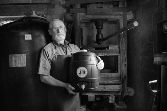 2012-05-17 -  John Batchelor, cidermaker, Maplehurst